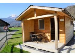 Swiss Woodhouse mit Hund